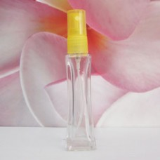 Molded Bottle PE Sprayer 30 ml Clear Onkoi: YELLOW